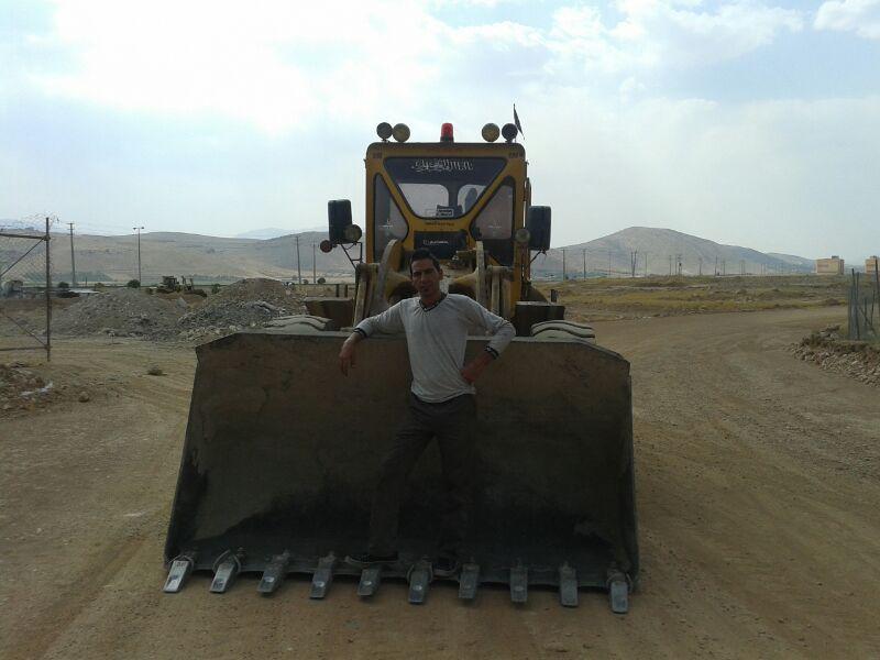 کلیه کارهای خاک برداری ...لودر وکامیون